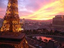 Soleil couchant sur le Bellagio depuis le Paris Las Vegas